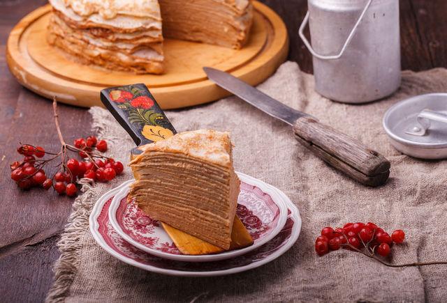 Блинный торт придется по вкусу всей семье