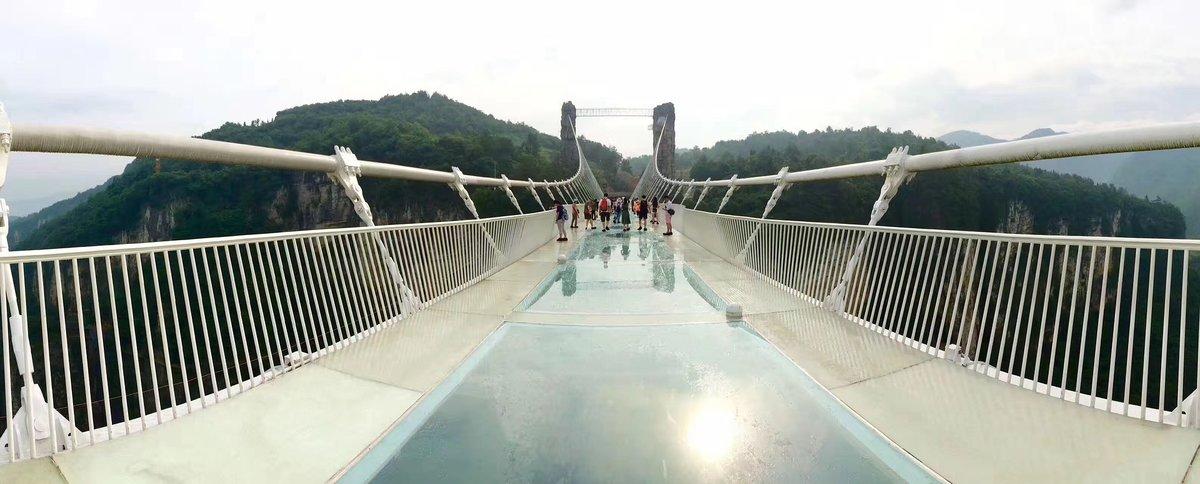 Над пропастью не ржи: пугающие стеклянные мосты Китая