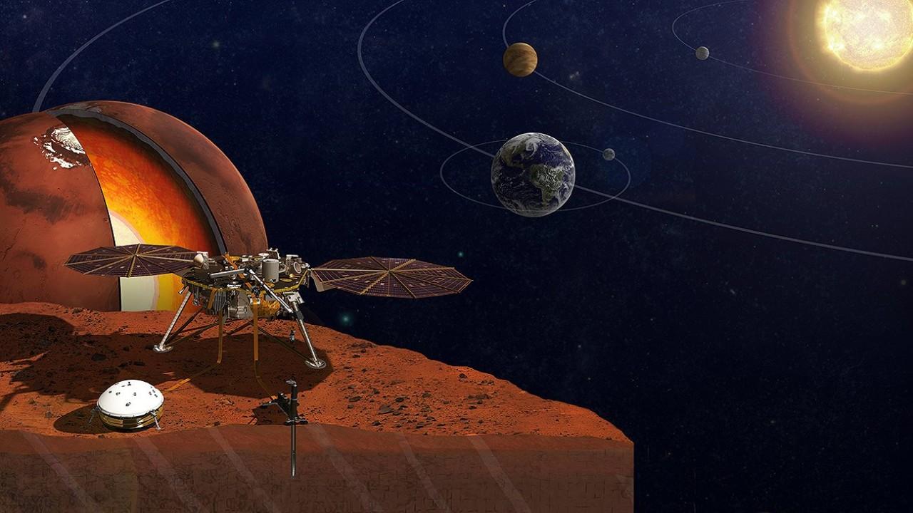 Уфологи обнаружили на Марсе что-то похожее на «зубастый рот»