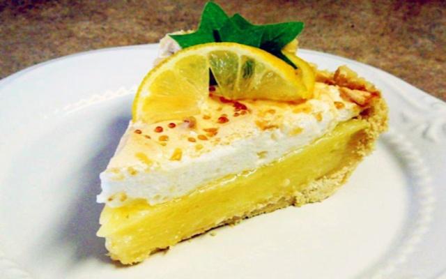 Лимонный пирог – десерт, который придется по вкусу всем поклонникам оригинальной выпечки
