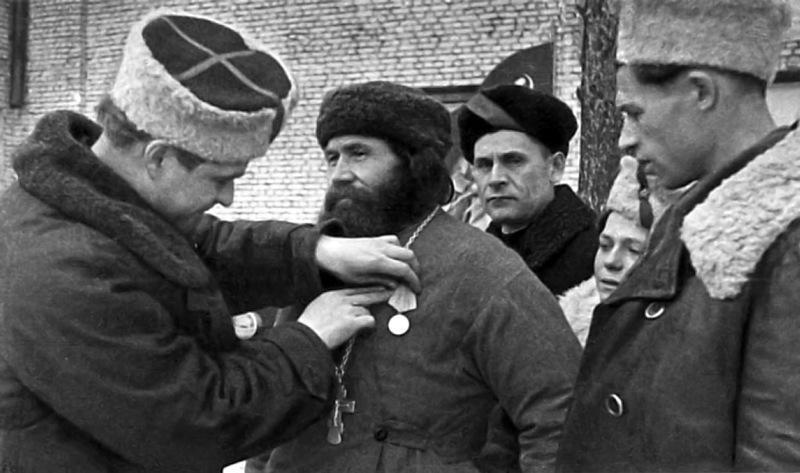Как во время войны Сталин легализовал Церковь:  интервью профессора А.К. Светозарского