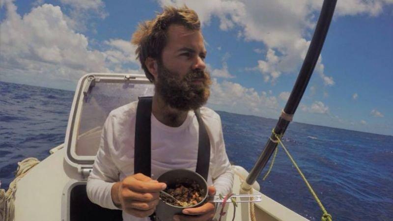 Парень сам доплыл из Франции до Нью-Йорка, питаясь отбросами