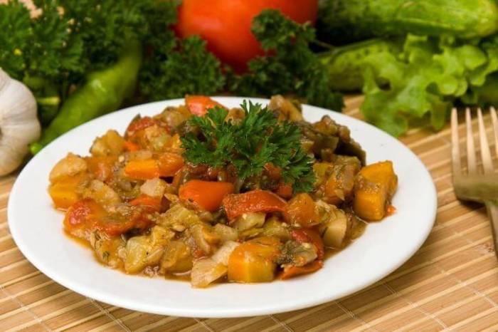 Рагу овощное с кабачками и свининой