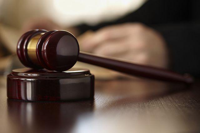Суд отправил на лечение мужчину, протаранивший кинотеатр в Екатеринбурге