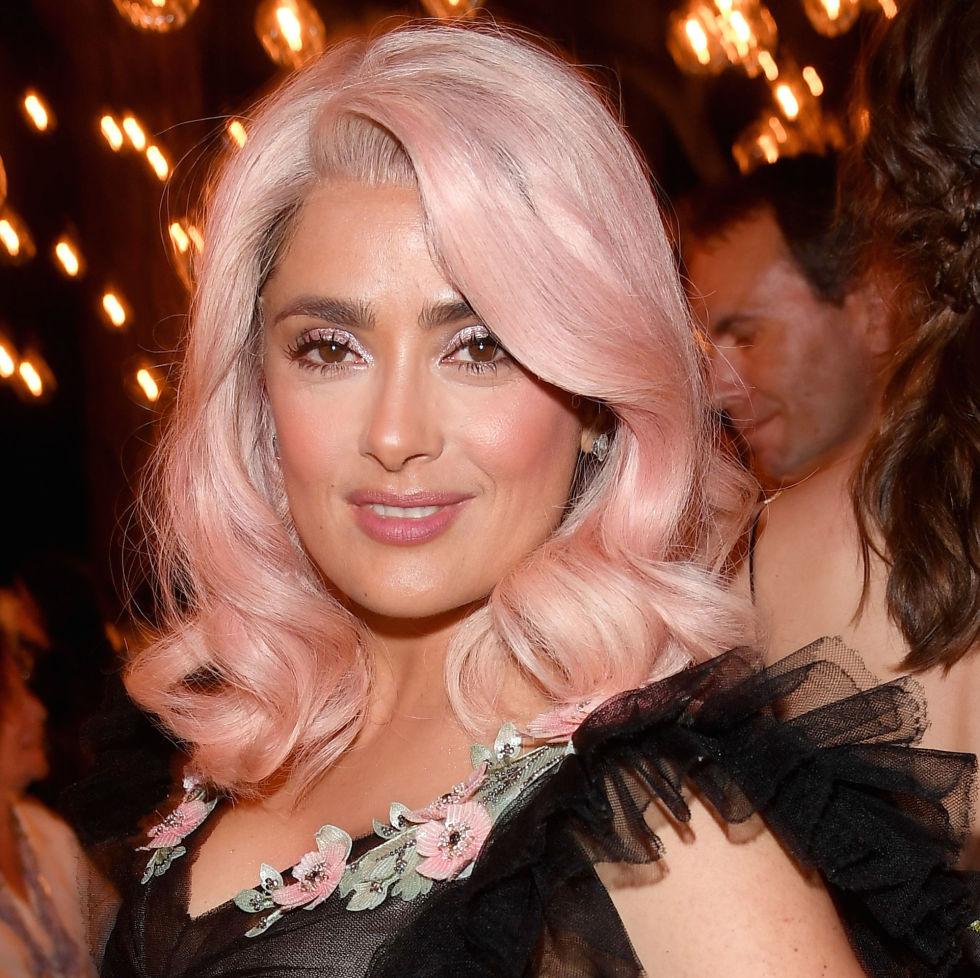 Горячий летний тренд 2017: пастельно-розовые волосы