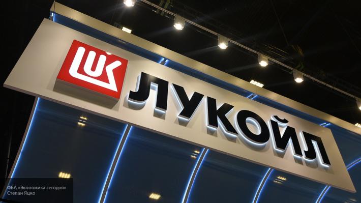 «Лукойл» продает около трети своих заправок в России