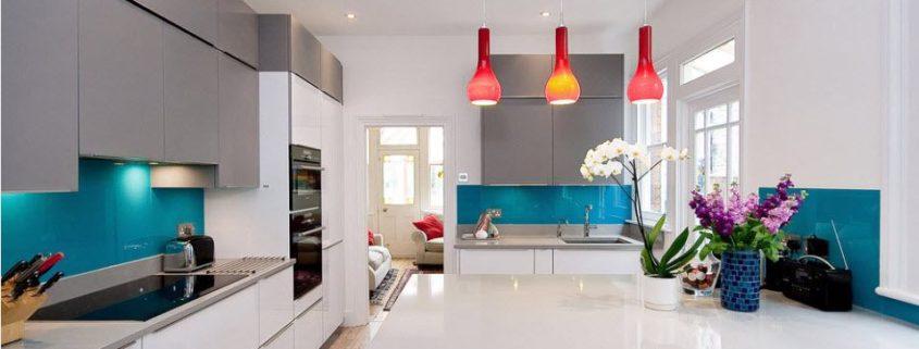 Сочетание цветов в интерьере кухни: эффектные решения дизайна с яркими примерами на фото