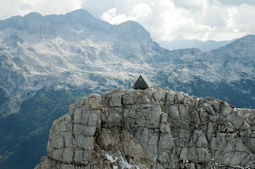Бесплатная хижина в Альпах в…