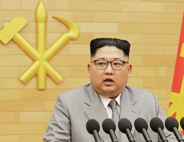 Ким Чен Ын заявил о готовности КНДР участвовать в Олимпиаде-2018 и о ядерной кнопке на его столе