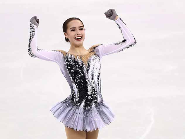 Загитова обошла Медведеву, установив мировой рекорд в короткой программе