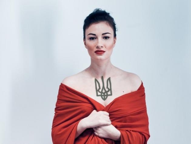 Украинская певица Приходько уверена: Донбасс ждет прихода украинской армии.
