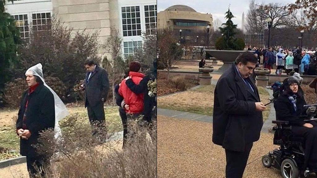 Саакашвили объяснил свое фото в кустах на инаугурации Трампа связями авторов снимков с Россией