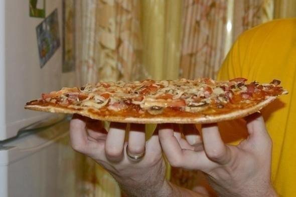Пицца на тонкой основе — получается всегда идеальной!