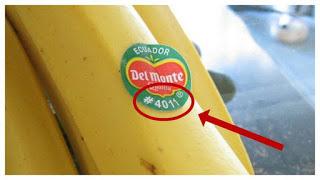 ТАКИЕ ФРУКТЫ ЕСТЬ НЕЛЬЗЯ!  А Вы знаете для чего на фруктах эти наклейки?