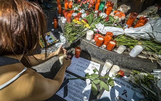 ВИспании скорбят ожертвах террористической атаки