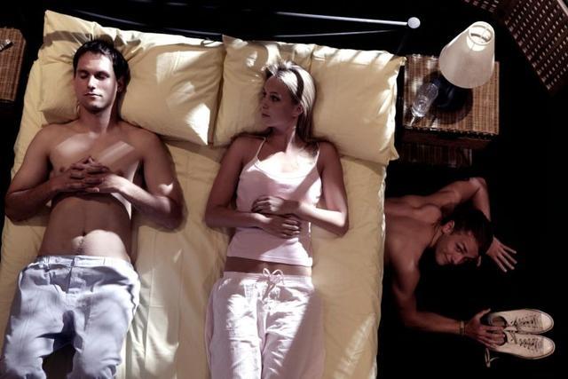Тренд: все больше женщин хочет любовника, но не собирается разводиться