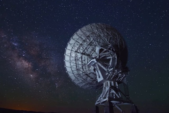 Астрофизики поймали сигнал, отправленный семь миллиардов лет назад