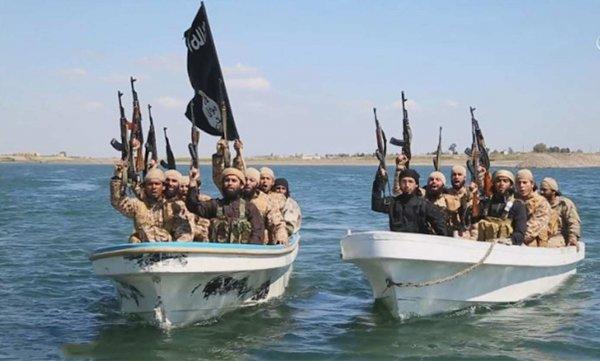 Армия Сирии сорвала десантную операцию ИГИЛ, потопив 7 речных судов и убив 50 боевиков в Дейр-Эз-Зор
