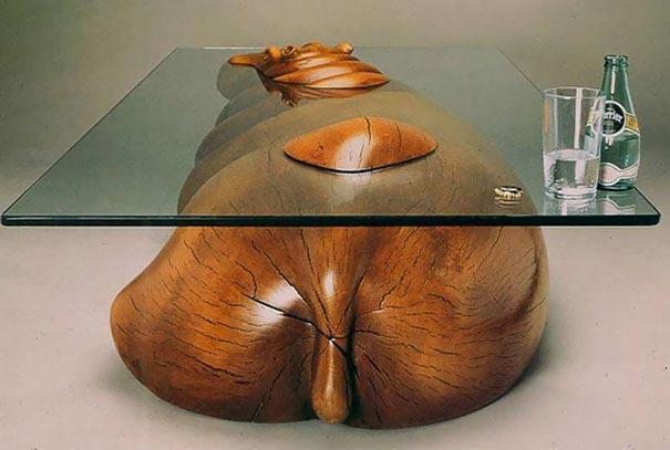Забавные столы, создающие иллюзию