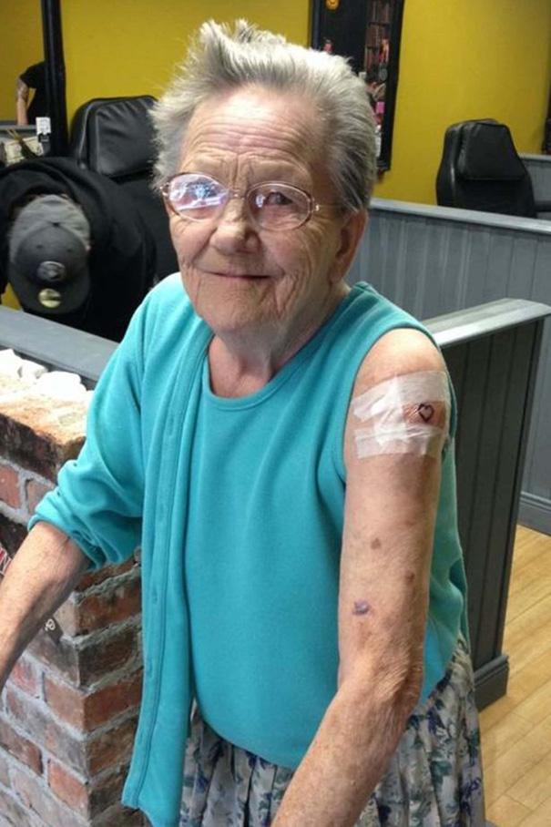 Бабуля сбежала из дома прест…