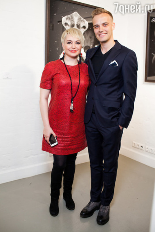Катя Лель призналась в любви на фотовыставке