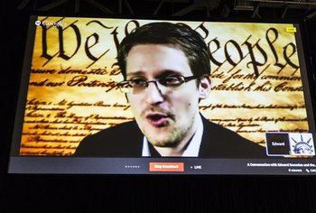 Дмитрий Песков рассказал, выдаст ли Россия Сноудена в США