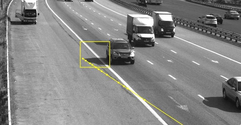 В Москве водителя оштрафовали за то, что тень его автомобиля «нарушила» ПДД