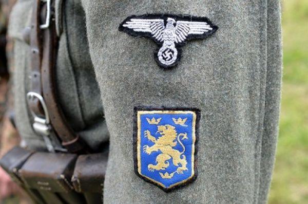 На Украине «вышиванку» вытесняет форма СС «Галичина», а шевроны ВСУ — СС «Мертвая голова».