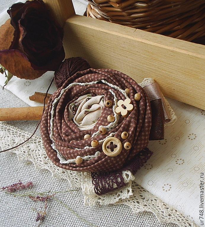 http://cs1.livemaster.ru/foto/large/3d819412963-ukrasheniya-tekstilnaya-brosh-v-gostyah-u-n4808.jpg