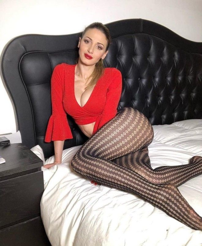 30-летняя итальянка зарабаты…