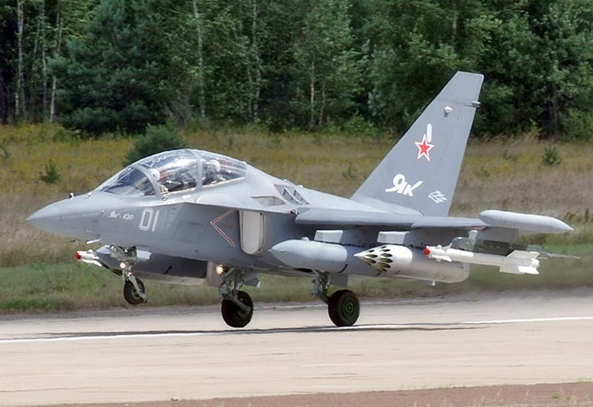 Крошечный самолет с возмутительным количеством вооружения
