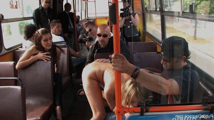 Секс видео приставание в метро