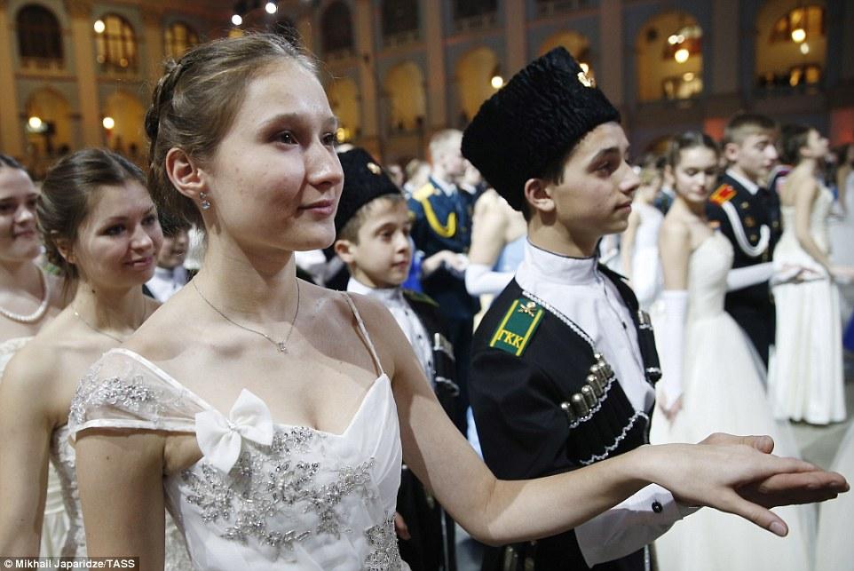 Выправка и изящество — фото с Кремлевского кадетского бала