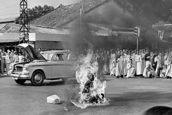 Жертва во имя веры: жуткое самосожжение, произошедшее в 1963 году