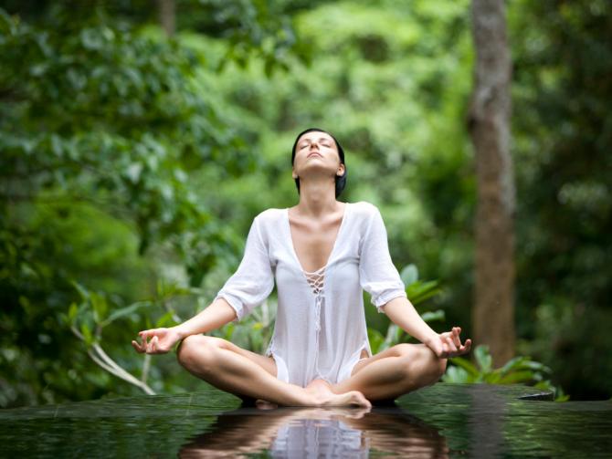 Йога для снятия стресса: 13 асан