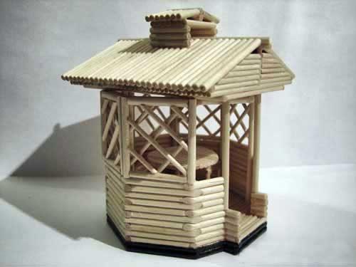 Беседка-сувенир из деревянных палочек