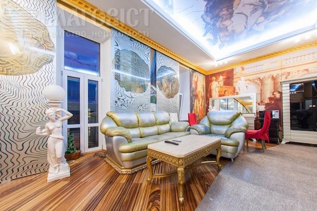 Заповедник неприличной роскоши и полной безвкусицы — квартира в стиле быкоко!