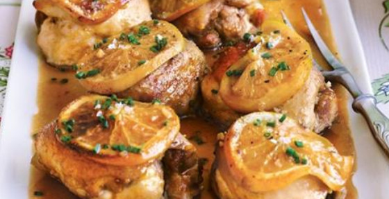 Куриные бедра в апельсинах: новогоднее блюдо из духовки…