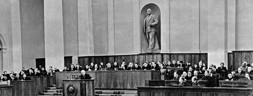 От пастуха до секретаря: зачем Хрущев хаял Сталина