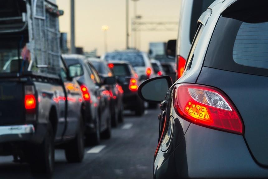 Менее половины автопарка России отвечает современным эконормам
