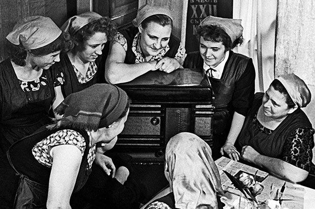 Как советские женщины обрадо…