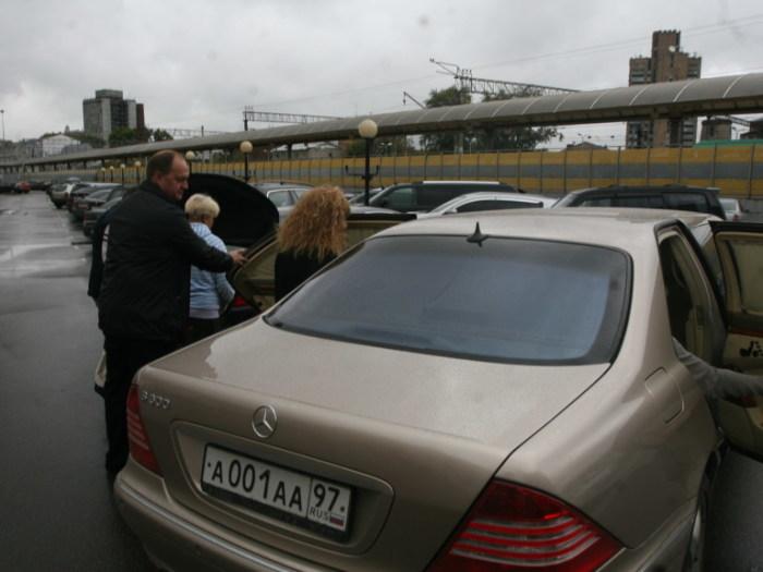 Алла Борисовна любит лимузины. |Фото: autorenter.ru.