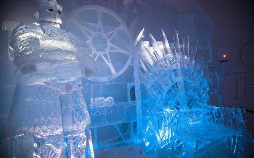"""В Финляндии построили ледяной отель по мотивам """"Игры престолов"""""""