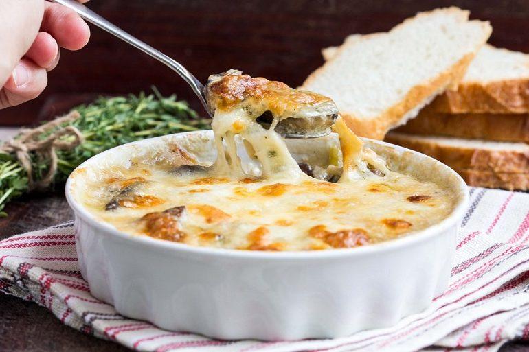 Вкусный жульен с мясом и грибами: обалденная порционная закуска к праздничному столу!