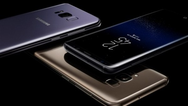 В России упали цены на флагманский Samsung Galaxy S8