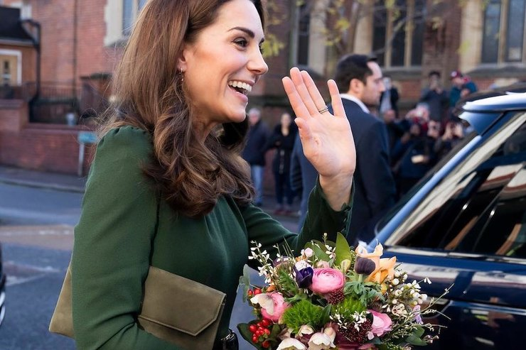 Брюки цвета хвои истеганые куртки: любимые вещи британских монархов наосень