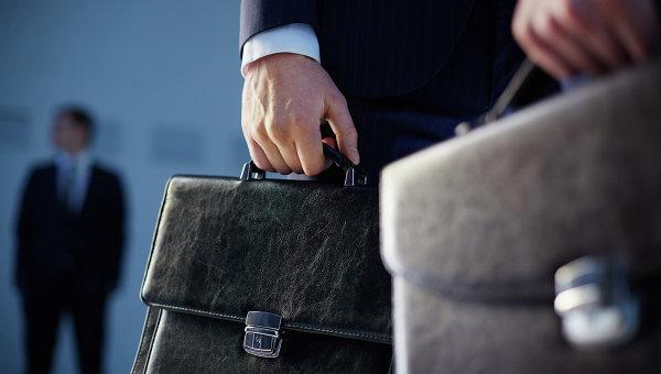 Стала известна средняя заработная плата русских чиновников за предыдущий год