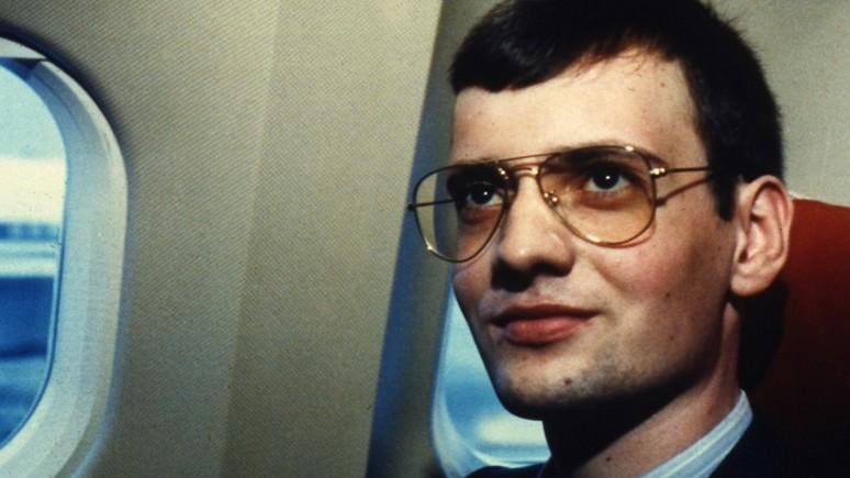 Welt: немецкий лётчик на Красной площади помог Горбачёву одолеть оппонентов