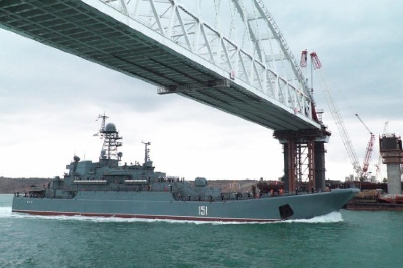 Российский десант под Крымским мостом: «Все тут входит и выходит. Замечательно выходит!»