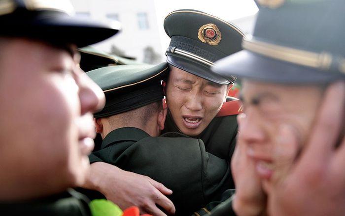 «Для китайцев все иностранцы на одно лицо».15 фактов о Китае: мужские объятия, слезы, красота и палочки